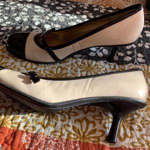 Bandolino Mary Jane pumps size 9